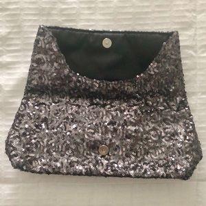 Victoria's Secret Bags - NWOT Victoria's Secret Clutch